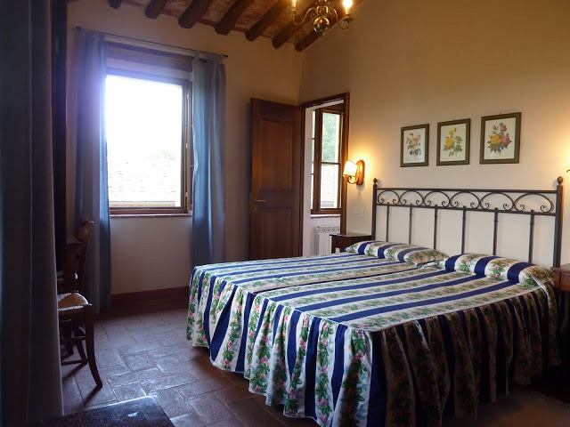 Bedroom La Loggia: light and relax, in agriturismo near Siena